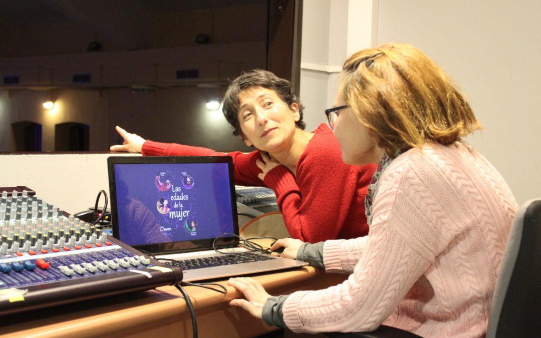 Eva Parra Hermida y Nuria Rubió preparando la variedad escénica llamada Las Edades de la mujer