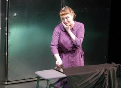 Gloria Muñoz como Vera en Ante la jubilación
